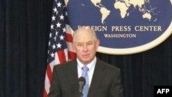 Речник Держдепартаменту Філіп Краулі під час прес-конференції
