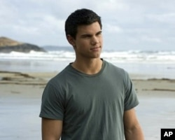 Taylor Lautner in scene from The Twilight Saga: New Moon