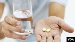 Tomar la famosa aspirina para evitar los ataques cardiacos sería más beneficioso por la noche.