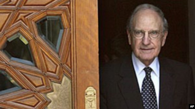US Mideast envoy George Mitchell leaves following his meeting about Mideast peace talks with Egyptian Foreign Minister Ahmed Aboul Gheit in Cairo, 3 Oct. 2010