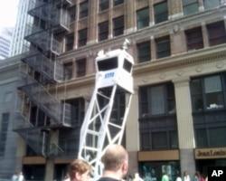 纽约警察局布置在世贸中心附近的街头监视器