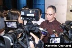"""Wamenlu Mahendra Siregar dalam diskusi publik """"Damai untuk Damai"""", 4 Januari 2020. (Foto: dok)."""