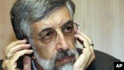 Ông Gholam Ali Haddad Adel rút lui khỏi cuộc tranh cử tổng thống Iran.