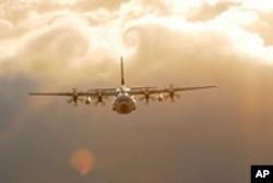 海岸警卫队C-130飞机(资料)