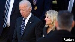 Wapres AS Joe Biden dan isterinya Jill Biden tidak berada di rumah saat tembakan terjadi di rumahnya di Delaware (foto: dok).