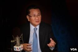 A senior North Korean defector Ri Jong Ho speaks to VOA Korean Service.