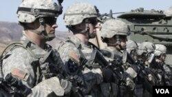 Tentara AS saat mengikuti latihan militer bersama AS-Korea Selatan (foto: dok). Amerika saat ini menempatkan 28.000 personil militernya di Korea Selatan.