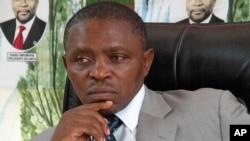 A ponderar. Secretário geral da UNITA Abilio Kamalata Numa