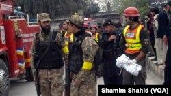 مقام های پاکستان می گویند به طالبان برای این انفجار مظنون هستند.