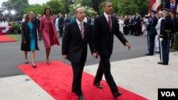 Prezidan ameriken an Barack Obama ak Prezidan Meksiken an Felipe Calderon