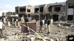 9月19日巴基斯坦卡拉奇一位高级警官住所外的汽车炸弹袭击现场