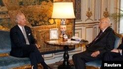 Joe Biden se reúne con el presidente de Italia, Giorgio Napolitano.