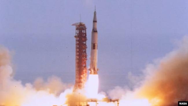 Запуск ракеты «Сатурн-5»