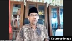 Komisioner Komnas HAM Amiruddin Al Rahab memastikan bahwa penyelidikan lembaganya tetap dalam koridor pengadilan HAM—terlepas dari ada tidaknya KKR nasional. (Sumber: Tangkapan layar)