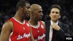 La nueva sensación en Los Ángeles, los nuevos Clippers, liderados por Chris Paul, Chauncey Billups y el entrenador Vinny Del Negro.