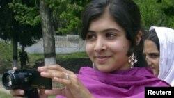 9일 파키스탄 탈레반의 총격을 받은 14살 소녀 마랄라 유수프자이.