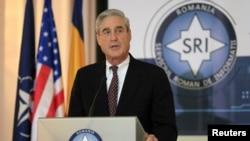 Robert Mueller tiene previsto reunirse con el primer ministro, Ali Zidn, y con el ministro de Justicia, Salah al Bargazi, así como con el Fiscal General y el director de los Servicios de Inteligencia.