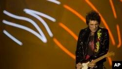 Ronnie Wood fotografiado durante un concierto de Los Rolling Stones en el estadio Maracaná de Brasil, el sábado 20 de febrero.