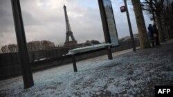 Razbijena autobuska stanica u Parizu, 9. decembar 2018.