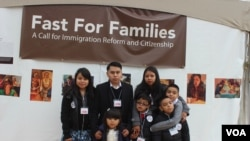 Marisol Fabián junto a su familia.
