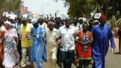 Des milliers de personnes ont manifesté à Banjul en Gambie