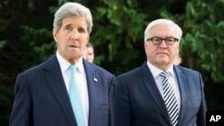 John Kerry, secrétaire d'état américain, et le ministre allemand des affaires étrangères Frank-Walter Steinmeier, à Berlin.