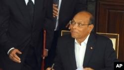 Un second tour sera probablement nécessaire pour départager Moncef Marzouki et le chef du parti Nidaa Tounès, Béji Caïd Essebsi
