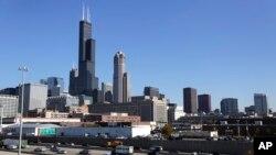 미국 일리노이주 시카고 시내 전경. 110층짜리 고층건물인 시어스 타워라고 불렸던 윌리스 타워가 시내 한 가운데 우뚝 서 있다.