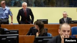 Franko Simatović i Jovica Stanišić u sudnici Haškog tribunala pre izricanja presude.