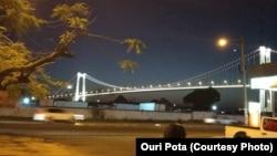 Ponte Maputo-Katembe vista de margem de Maputo