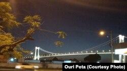 Ponte Maputo-Katembe vista de margem de Maputo> Obra financiada pela China. Foto: Ouri Pota (cortesia).