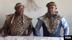 Induna uNhlanhlayamangwe Ndiweni leNkosi uBulelani Lobhengula kaMzilikazi kaMatshobana.