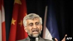 ông Jalili nói Iran sẽ không thảo luận về việc ngưng tinh chế uranium với 6 cường quốc tại cuộc họp ở Istanbul vào tháng Giêng