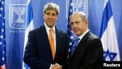 Menlu AS John Kerry akan bertemu PM Israel Netanyahu di Roma, Senin 15/12 (foto: dok).
