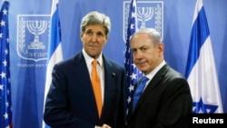 2014年7月23日美国国务卿克里会见以色列总理内塔尼亚胡在特拉维夫(资料照片)