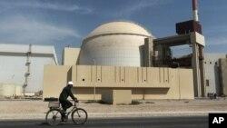 이란 부셰르 외곽에 있는 핵발전소. (자료사진)