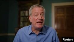 빌 더블라지오 뉴욕 시장이 16일 인터넷 동영상을 통해 민주당 대통령 후보 경선에 도전하다고 발표했다.