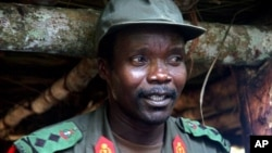Pemimpin pemberontak Afrika Tengah yang buron, Joseph Kony dilaporkan siap untuk meletakkan senjata (foto: dok).