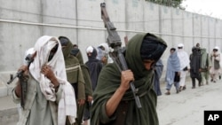 افغان چارواکي ادعا کوي چې څوک هم ټاکنې نه شي گډوډ کولی او حکومت د ټاکنو دپاره کلک امنيتي گامونه پلان کړي دي