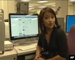 De nombreuses personnes passent de longues heures sur Facebook