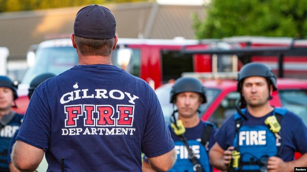 Lực lượng cứu hộ đang làm việc tại hiện trường xả súng ở Lễ hội Tỏi Gilroy, ngày 28/7/2019.