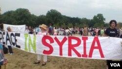 反战团体呼吁不要对叙利亚动武 (美国之音杨晨拍摄)
