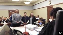 لیری نصر کو عدالت میں سزا سنائی جا رہی ہے۔