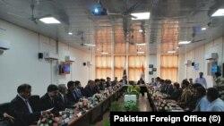 پاکستان اور بھارت کے حکام کرتار پور راہداری پر مذاکرات کر رہے ہیں۔