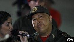 Presiden Venezuela Hugo Chavez menantang Obama membuktikan tuduhan AS terhadap pejabat Venezuela.