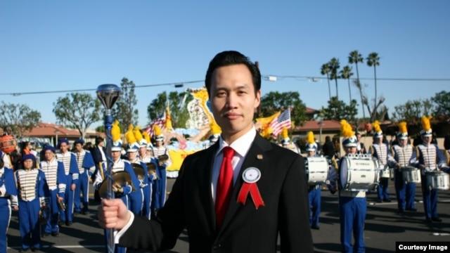 Nếu sau khi kiểm phiếu lại, anh Bảo vẫn dẫn trước, chính trị gia 34 tuổi này sẽ trở thành thị trưởng trẻ tuổi nhất trong lịch sử thành phố Garden Grove.