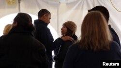 اوباما در دیدار با توفان زدگان