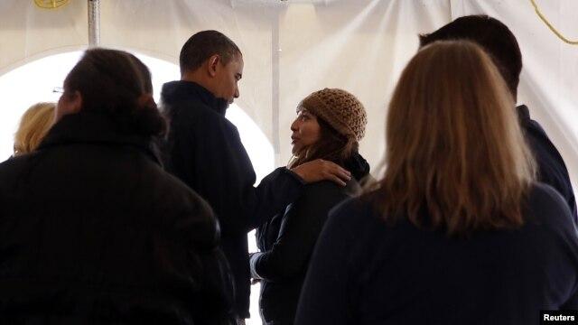 Prezident Barak Obama oktabr oyida yuz bergan tabiiy ofat oqibatlari va jabrdiydalarga ko'rsatilayotgan yordam bilan tanishish uchun Nyu-Yorkka bordi.