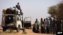 23일 말리 북부 최대도시인 가오에 설치된 말리 정부군의 검문소.