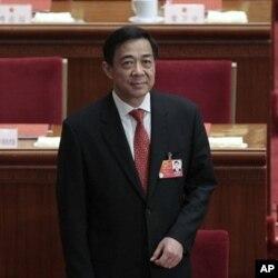 被免去重慶市委書記的薄熙來3月14日出席中國人大會議(資料圖片)